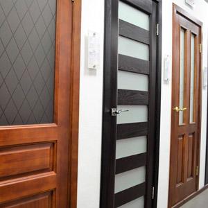 Из каких материалов делают межкомнатные двери
